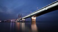二桥的华丽灯光