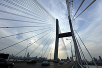 繁忙的武汉二桥