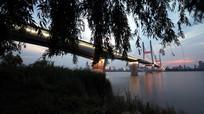 落日下的二桥