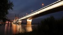 伸向远方的武汉二桥