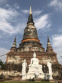 泰国白色佛像寺庙