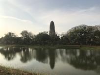 泰国河边的寺庙