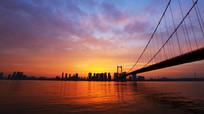江水分流的鹦鹉洲大桥