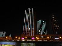城市高楼夜景