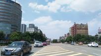 蓝天下的清镇市区