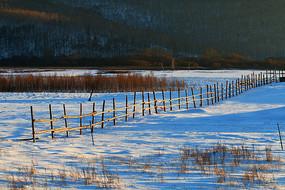 林海雪原木栅栏