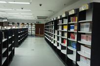 大型书店书架
