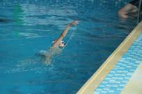 儿童游泳比赛