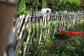 花园里的栅栏