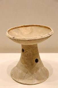 新石器时代喇叭足陶豆