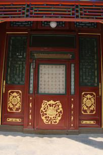 传统雕五福图案木门