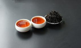 红茶和红茶干茶