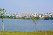 湖岸的住宅区
