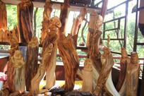 形形色色的根雕作品