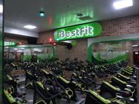 健身俱乐部健身器械