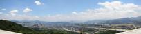 蓝天下的城市