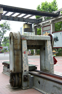老式机加工机械龙门刨床