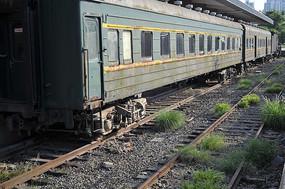 绿皮火车车厢全景