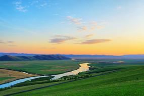 牧场河湾朝霞风景