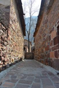 山村石头巷子
