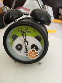 熊猫闹钟图片