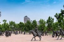 关东古巷的雕塑群