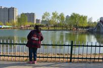 美丽城市的春天景色