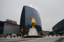 贵阳西南商贸城毛泽东塑像