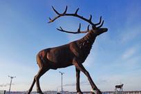 城市雕塑驯鹿