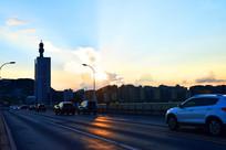 夕阳下的长沙橘子州大桥