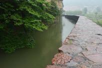 雨中红旗渠风景
