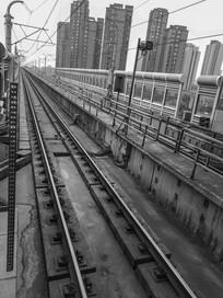 黑白轻轨线