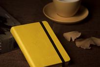 黄色笔记本