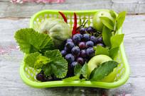 绿色蔬果篮子