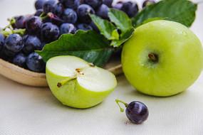 葡萄青苹果静物