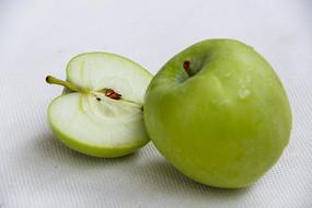 切开青苹果