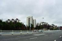 道路与高楼