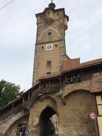欧式塔楼建筑