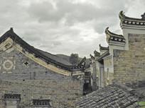 青砖灰瓦马头墙老房子屋顶