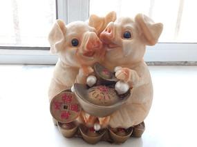 猪年存钱罐图片