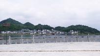 百花湖畔新农村