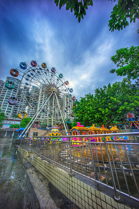 惠州下埔滨江公园游乐场摩天轮