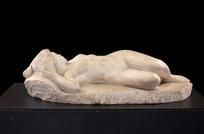 卧态裸体女神像