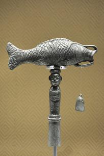 战国时期古滇国铜杖首饰