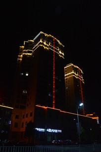 职教城商业广场高楼夜景