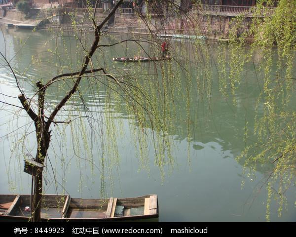凤凰古城湖边风景图片