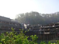 凤凰古城植物楼房