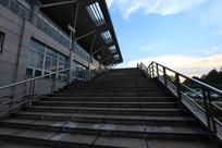 民族大学体育馆楼梯