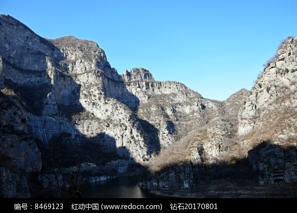 冬季的石头山脉图片