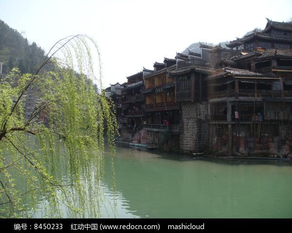 凤凰古城湖边风景图图片